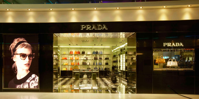Prada nel Suvarnabhumi International Airport di Bangkok.