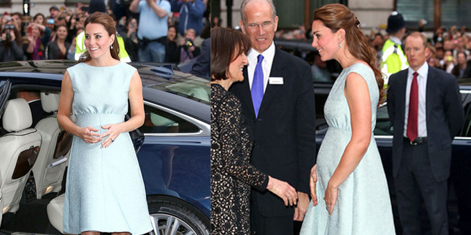 Kate Middleton con abito turchese