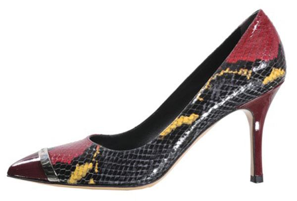 La collezione di scarpe donna per il prossimo autunno inverno 2013/14 di Luciano Padovan gioca con gli stili e l'eleganza.