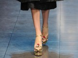 i sandali in pelle dorata di Dolce & Gabbana