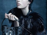 Edie Campbell per la campagna Louis Vuitton by Marc Jacobs