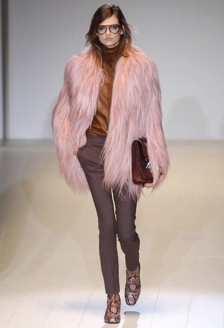 ... La sensualità della donna anni  60 per Gucci 0916c0bd5b1