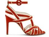 Kalliste':sandalo in suede rosso e pelle oro. kallistè rende piccante anche la più dolce delle giornate. 325€