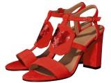 Per San Valentino, Rita Greco disegna Petali, un sandalo per tutte le donne innamorate
