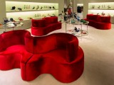Prada svela i divani CloverLeaf di Verner Panton in nuovi e originali colori