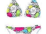 Smiley-lancia-una-linea-di-costumi-in-collaborazione-con-Bikini-Bar-