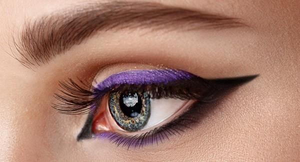 l'eyeliner colorato