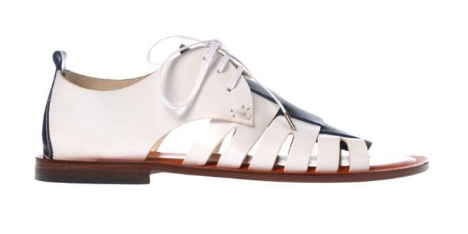 09dbd4319e Il sandalo 'gladiatore' di Pollini per un uomo urban chic - SFILATE