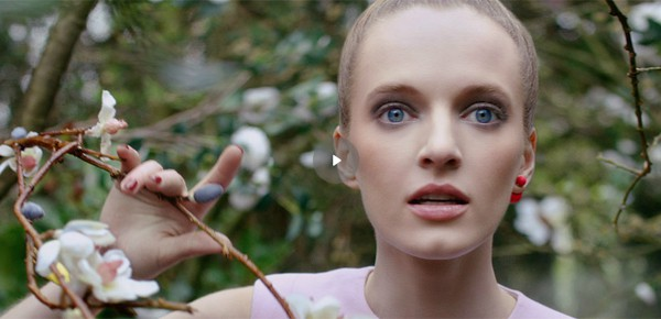 Mise en Dior - gli orecchili tribali di Dior