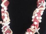 Collana Rosso Amore (mini perle rosse,stelle di mare e cordone marinaro in cotone). Amore per il mare, amore per la vita e amore per le vacanza.