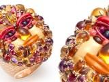 Un omaggio all'Arcimboldo: un anello prezioso e colorato