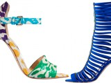 Lusso e decorativismo per i sandali e le pump dai tacchi di Brian Atwood