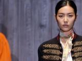 La donna Gucci sfila decisa sulle passerelle di Milano e svela un PE 2015 intrigante