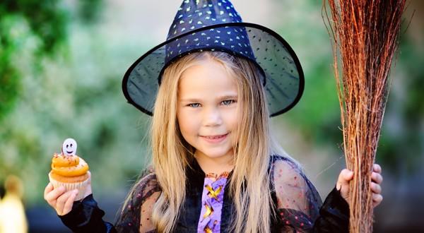 Halloween: dalla torta perfetta a come vestire i piu' piccoli 'a festa!'