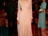 Sempre in Alberta Ferretti anche la bellissima Liya Kebede .