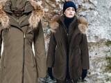 Il parka con cappuccio rifinito in coyote per Woolrich