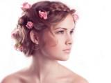 Ghirlande di fiori tra i capelli, il must della prossima primavere-estate 2015