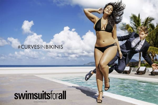 #CurvesInBikinis con Ashley Graham