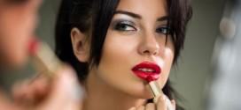 E se ci servisse un make up da abbinare al rossetto rosso?