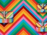 Valentino: le borse estive si vestono di righe colorfull