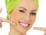Scopriamo i rimedi naturali per sbiancare i denti