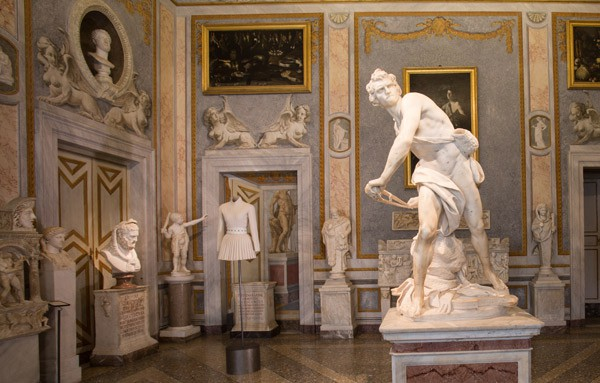 Galleria Borghese la mostra soft sculpture di Azzedine Alaïa