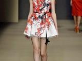minidress-con-fiori-corallo-elisabetta-franchi