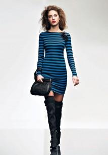 Twin-Set Simona Barbieri autunno/inverno 2015/16 millerighe bright blue e nere con gonna