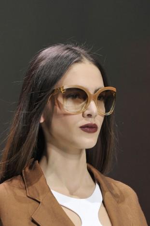 Sfilata Emporio Armani Womenswear SS16 Close up