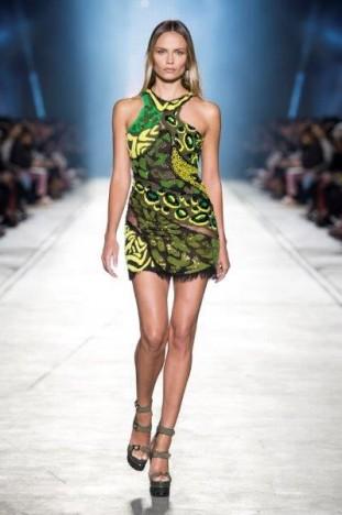 Sfilata Versace SS 2016 moda donna Milano settembre 2015
