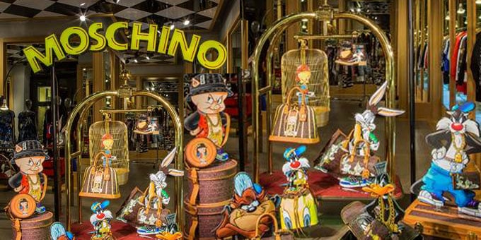 La boutique di Moschino in via Sant'Andrea
