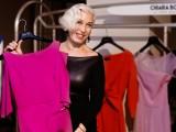 Chiara Boni con un suo abito icona