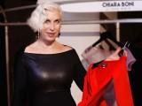 Chiara Boni con un suo top dress red