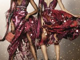 Naomi-Campbell-and-Rosie-Huntington-Whiteley-in-the-Burberry-Festive-Campaign-shot-by-Mario-Testino