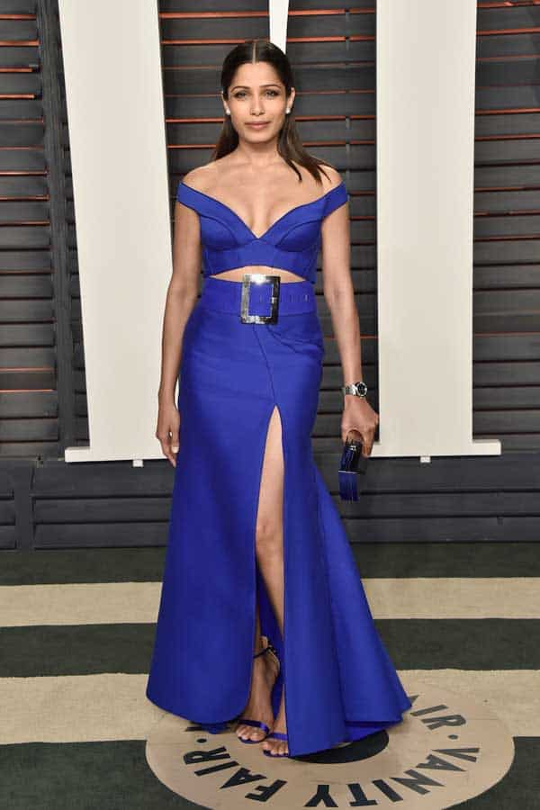 Frieda-Pinto--in-Versace