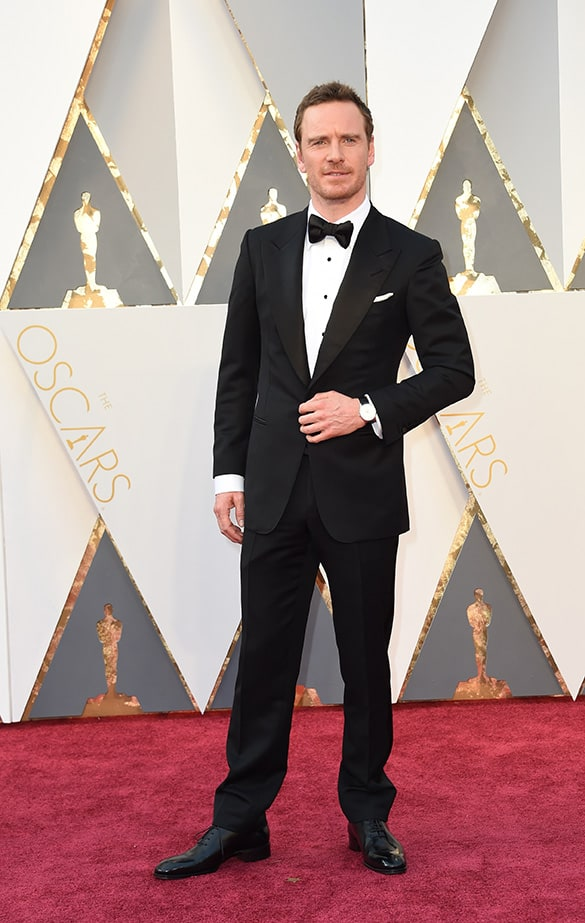 Actor Michael Fassbender arrives on the red carpet for the 88th Oscars on February 28, 2016 in Hollywood, California. AFP PHOTO / VALERIE MACON / AFP / VALERIE MACON (Photo credit should read VALERIE MACON/AFP/Getty Images) orologio Chopard