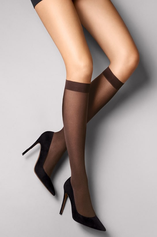 la linea Satin Opaque Nature di Wolford
