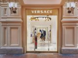 Versace apre a Mosca