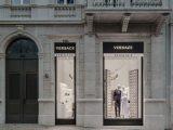 Versace apre a Lisbona una nuova boutique di 440 mq