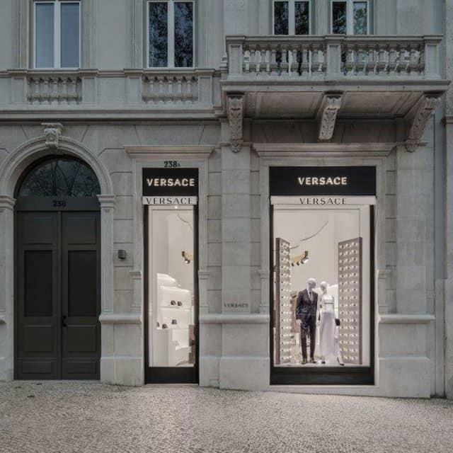 Versace apre a Lisbona