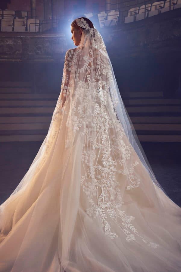 more photos 3cdce c0a1b Elie Saab sposa: abiti da sogno per la Bridal 2018 - SFILATE