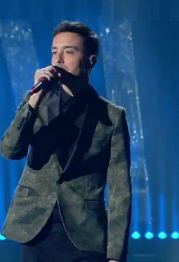 Manuel Ritz sul palco di Sanremo 2018 con Diodato