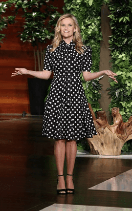 Un vestito a pois di Michael Kors per Reese Witherspoon