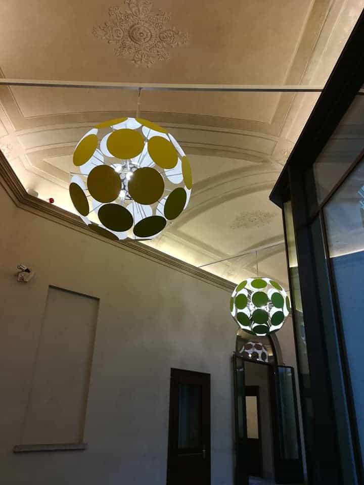 La colorata installazione Dandelion by Luca Trezzo