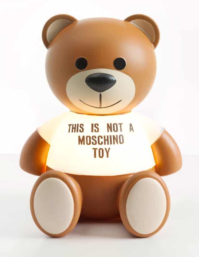 Toy, la nuova lampada Kartell firmata Moschino