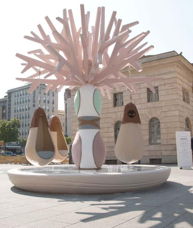 Timberland presenta l'iconica installazione creata in collaborazione con la designer Elena Salmistraro
