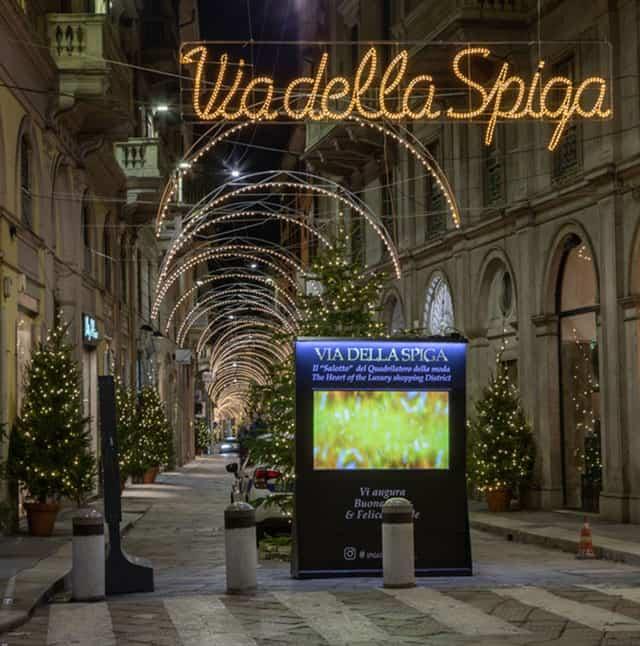 Via della Spiga - Tiffany & Co. accende la 'Bellezza' di Milano