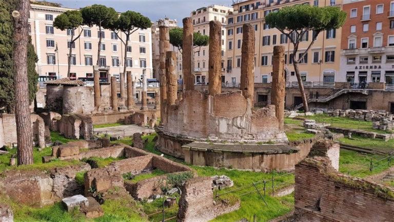 area-sacra-torre-argentina-a-Roma
