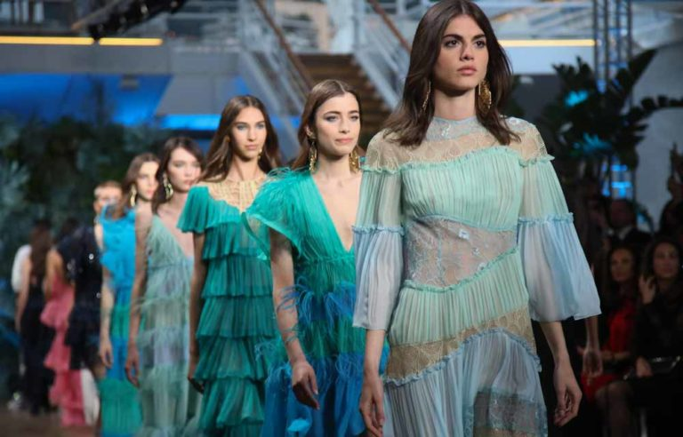 Cruise Collection 2020 di Alberta Ferretti.