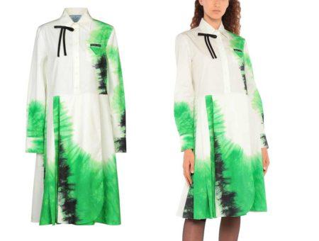 Il vestito longuette fantasia di Prada